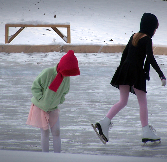 girls-ice-skating